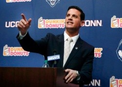 Diaco Spreads His Message At Banquet